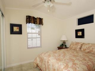 1 Bedroom Cottage on Golf Resort in Citra! - Citra vacation rentals