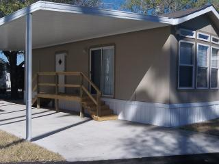 1 Bedroom Cottage on 55+ Resort in Alamo - Alamo vacation rentals