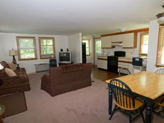 Two bedroom home, steps from Perkins Cove. Full AC - Ogunquit vacation rentals