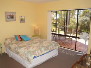 5 bedroom House with Dishwasher in Nelson Bay - Nelson Bay vacation rentals