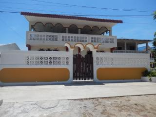 Playas, Ecuador, Bright & Breezy Rooms - Playas vacation rentals
