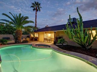 Best Location- Heated Pool/Hot Tub/Putt/Pool Table - Scottsdale vacation rentals