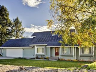 Spacious Kalispell House w/Wifi, Private Backyard & Breathtaking Mountain Views - Unbeatable Location! Easy Access to Outdoor Recreation & Downtown Attractions! - Kalispell vacation rentals