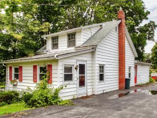 Tranquil 3BR Auburn Home w/Wifi, Private Stone Patio, Fire Pit & Nice Yard - Stone's Throw to Owasco Lake Access & Near Many Local Attractions! - Auburn vacation rentals