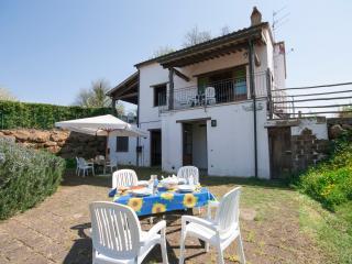 Appartamento Bilocale con piscina Valle Castagneta - Sorano vacation rentals