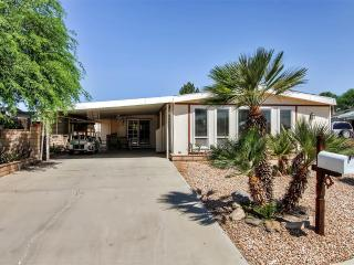 New Listing! Beautiful & Sunny 2BR Palm Desert Home w/Wifi, Private Patio & Mountain Views - Near Several Amazing Golf Courses, Restaurants, Water Park, Shopping & More! - Palm Desert vacation rentals