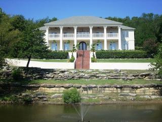7,000 Sqft at 'the Columns' Estate - Tulsa vacation rentals