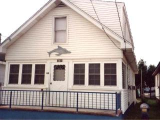 5 BEDROOM BEACH HOUSE 1/2 A BLOCK FROM THE BEACH - Seaside Heights vacation rentals