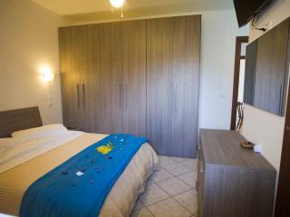 Romantic 1 bedroom Termoli Bed and Breakfast with Internet Access - Termoli vacation rentals
