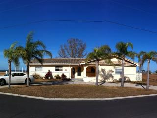 3 bedroom House with Deck in Hernando Beach - Hernando Beach vacation rentals