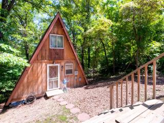 Quiet 1BR Rocky Mount Cottage w/Community Dock & Expansive Deck - Private Wooded Location Near the Lake! Only 15 Minutes From Town - Lake Ozark vacation rentals