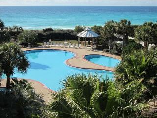 Paradise! 3 Bd/3 bath, amazing pool, beach service - Miramar Beach vacation rentals