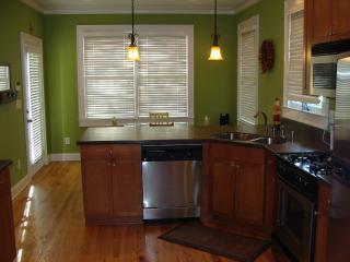 3 Bedroom Craftsman W/ 2Car Garage in West Midtown - Atlanta vacation rentals