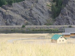 Log Home On The Banks Of The Missouri River - Cascade vacation rentals