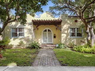 Casa Paradiso in Historic Grandview Heights - West Palm Beach vacation rentals