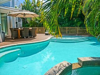 SUMMER SALE  5500 INCLUSIVE,  MINUTE WALK TO BEACH - Holmes Beach vacation rentals