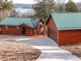 Rustic 2BR Golden Log Cabin on Secluded Bluff Lakefront  w/Multiple Decks - Easy Access to Boating & Swimming on Table Rock Lake! - Golden vacation rentals