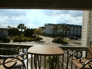 Seaside Getaway - Great for the family ! KING bed - Tybee Island vacation rentals