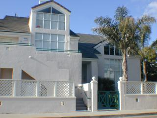 Beach 1 Block Away, Pismo, Spacious Condo, - Pismo Beach vacation rentals