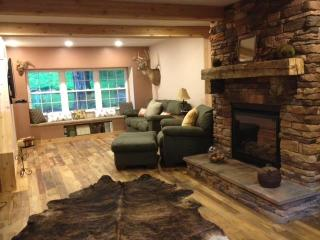 Rockhaven Home Beautiful woods setting Relax - Fleming vacation rentals