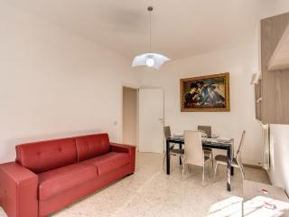 Daisy Holiday Home - Rome vacation rentals