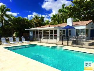Waterfront Villa, close to beach, luxury pool - Fort Lauderdale vacation rentals