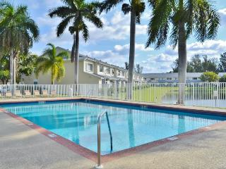 New Listing! Impressive 2BR Dania Townhome w/Covered Patio & Pool Access - Near Fantastic Fort Lauderdale Attractions & Just 7 Miles from the Beach! - Dania Beach vacation rentals
