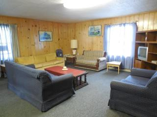 Rustic 4BR Houghton Lake Cabin w/Lake Access & Fire Pit - Great for Hunting Groups, Walking Distance to the Lake! - Prudenville vacation rentals