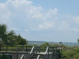 Beautiful Condo with Internet Access and Dishwasher - Tybee Island vacation rentals