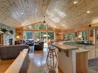 South Lake Tahoe Log Home, Game room, Views & more - South Lake Tahoe vacation rentals