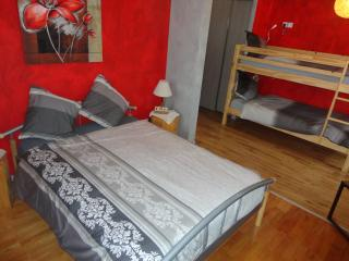"Chambre d'hôtes ""Délices"" chez JP ZEN Nowicki - Freyming-Merlebach vacation rentals"