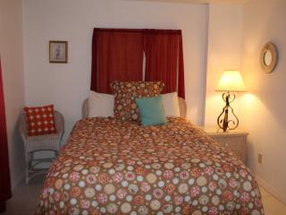 2 BDR Sunrise with an Ocean View (sleeps 6) - Daytona Beach Shores vacation rentals