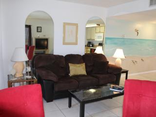 1 BDR Beautiful 10    Floor Oceanfront (sleeps 4) - Daytona Beach Shores vacation rentals