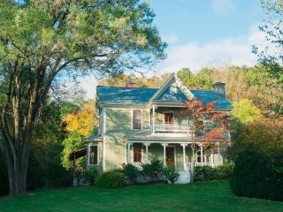 Carolina Jewel Farmhouse - Weaverville vacation rentals