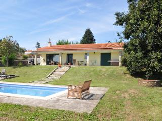 Nice 3 bedroom Bungalow in Valença - Valença vacation rentals