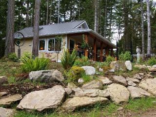 New tranquil luxurious cottage close to ferry - Galiano Island vacation rentals