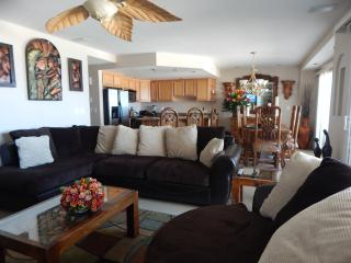 2 bedroom Condo with Internet Access in Rosarito - Rosarito vacation rentals