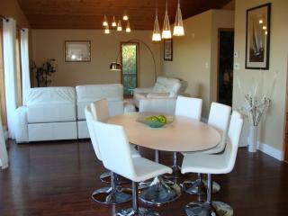 Luxury Suite with Spectacular View of Lake - Regina vacation rentals