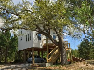 Romantic Waveland vacation House with Deck - Waveland vacation rentals