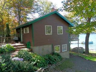 Romantic 1 bedroom Swanville Cottage with Deck - Swanville vacation rentals