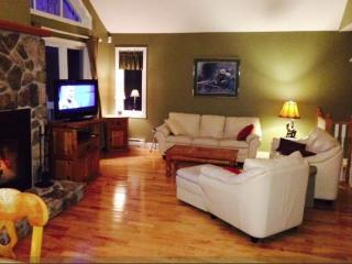 Luxury Tremblant Chalet - 5 Minutes to Hill - Mont-tremblant vacation rentals