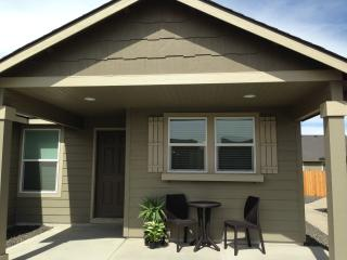 Centrally Located In The Tri-Cities - Kennewick vacation rentals