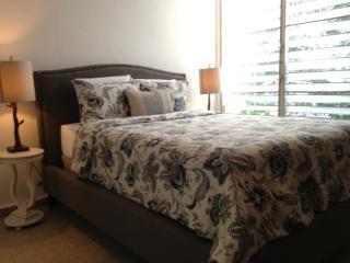 Caribe 83 Apartment, #4, WIFI, PARKING, 2 BEDROOMS - San Juan vacation rentals
