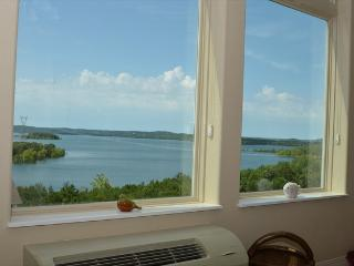 Amazing Table Rock Lakefront condo, Brand New Unit - Branson vacation rentals