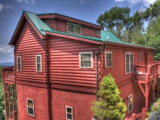 Relaxing 4BR Beech Mountain House w/Private Hot Tub, Gas Grill & West-Facing Deck - Only 2 Miles from Year-Round Activities at Beech Mountain Resort! - Beech Mountain vacation rentals