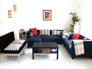 Cozy House with Internet Access and Dishwasher - Marseille vacation rentals