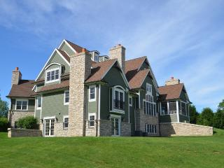 Perfect House with Deck and Internet Access - Lake Geneva vacation rentals