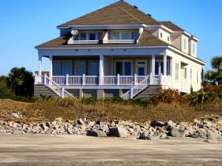 ON THE OCEAN, BEACHFRONT,SUNSETS,DOLPHIN,CLUB POOL - Seabrook Island vacation rentals