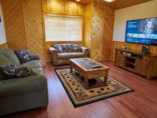 Happy Bears Log Cabin-Walk to Lake, Village and Magic Mountain!!! - Big Bear Lake vacation rentals