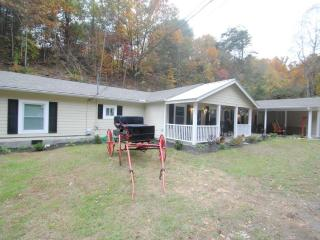 Next to Dollywood, 6 B/R private pool home theater - Sevierville vacation rentals